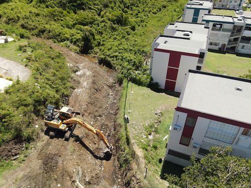 Saint-Martin nettoie ses ravines et axes routiers